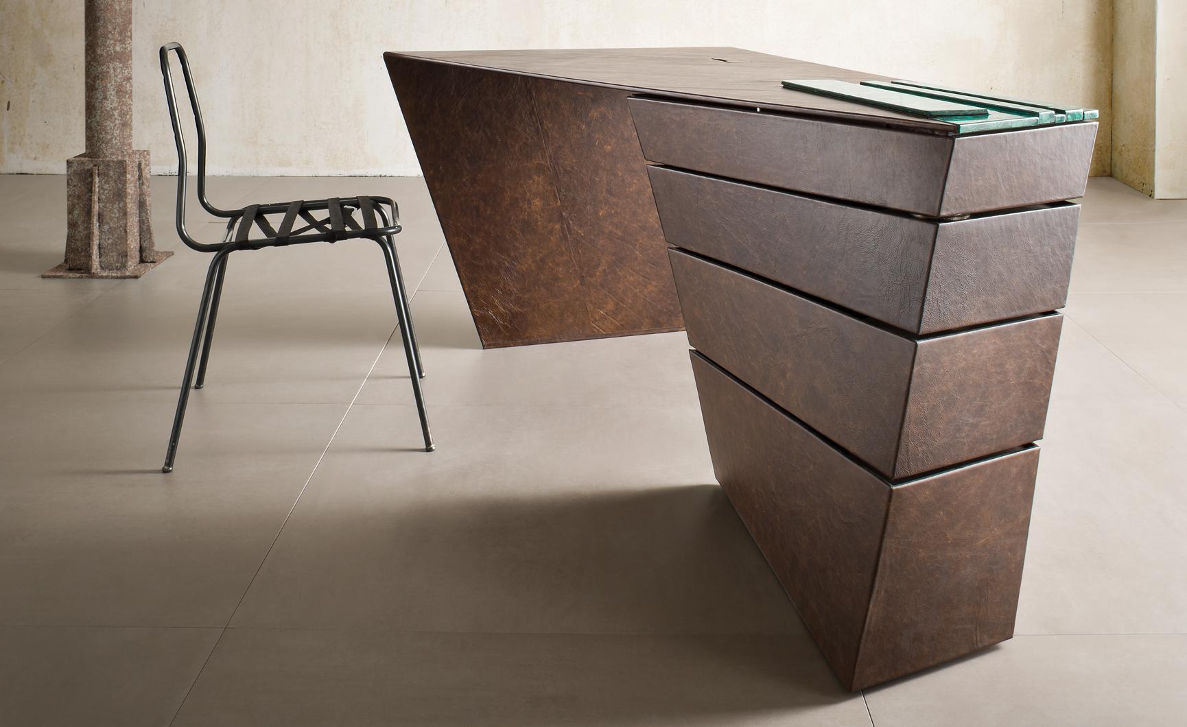 torque-desk-5