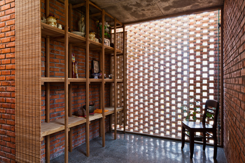 tropical-space-brick-termitary-house-da-nang-city-vietnam-designboom-04
