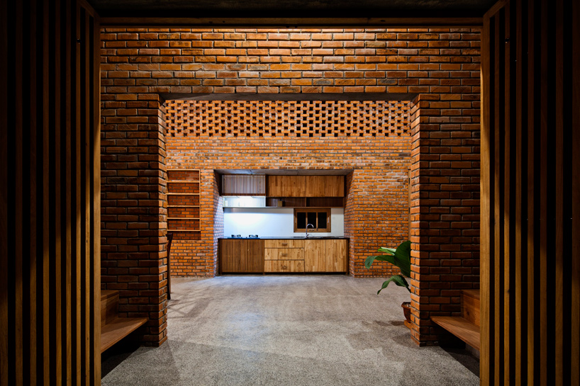 tropical-space-brick-termitary-house-da-nang-city-vietnam-designboom-07