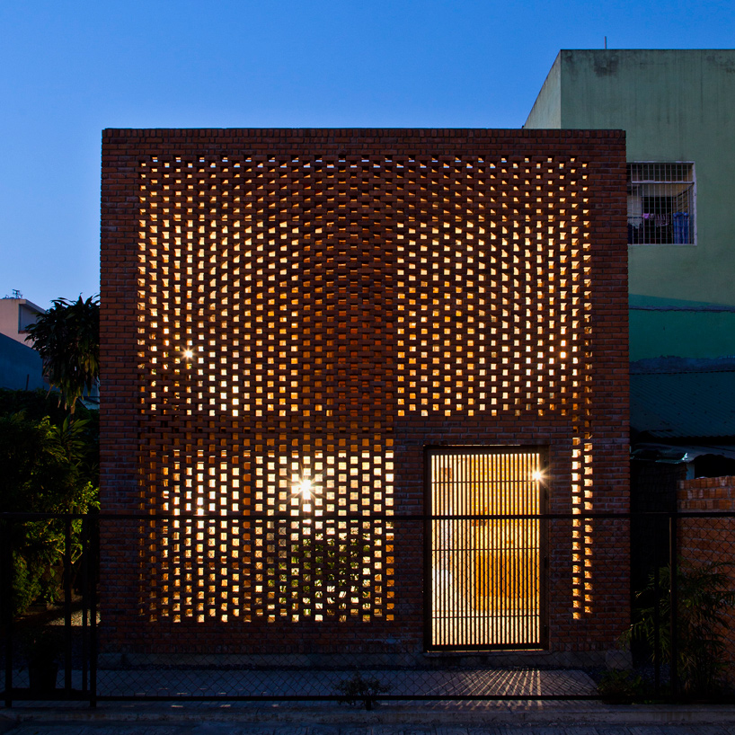 tropical-space-brick-termitary-house-da-nang-city-vietnam-designboom-11