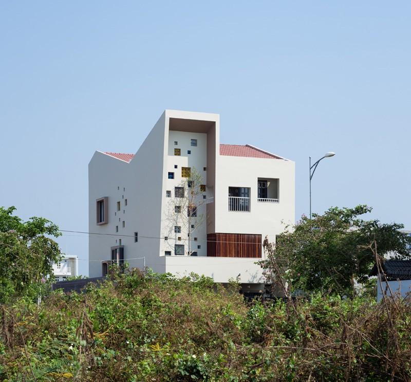2H-house_230415_04-800x743