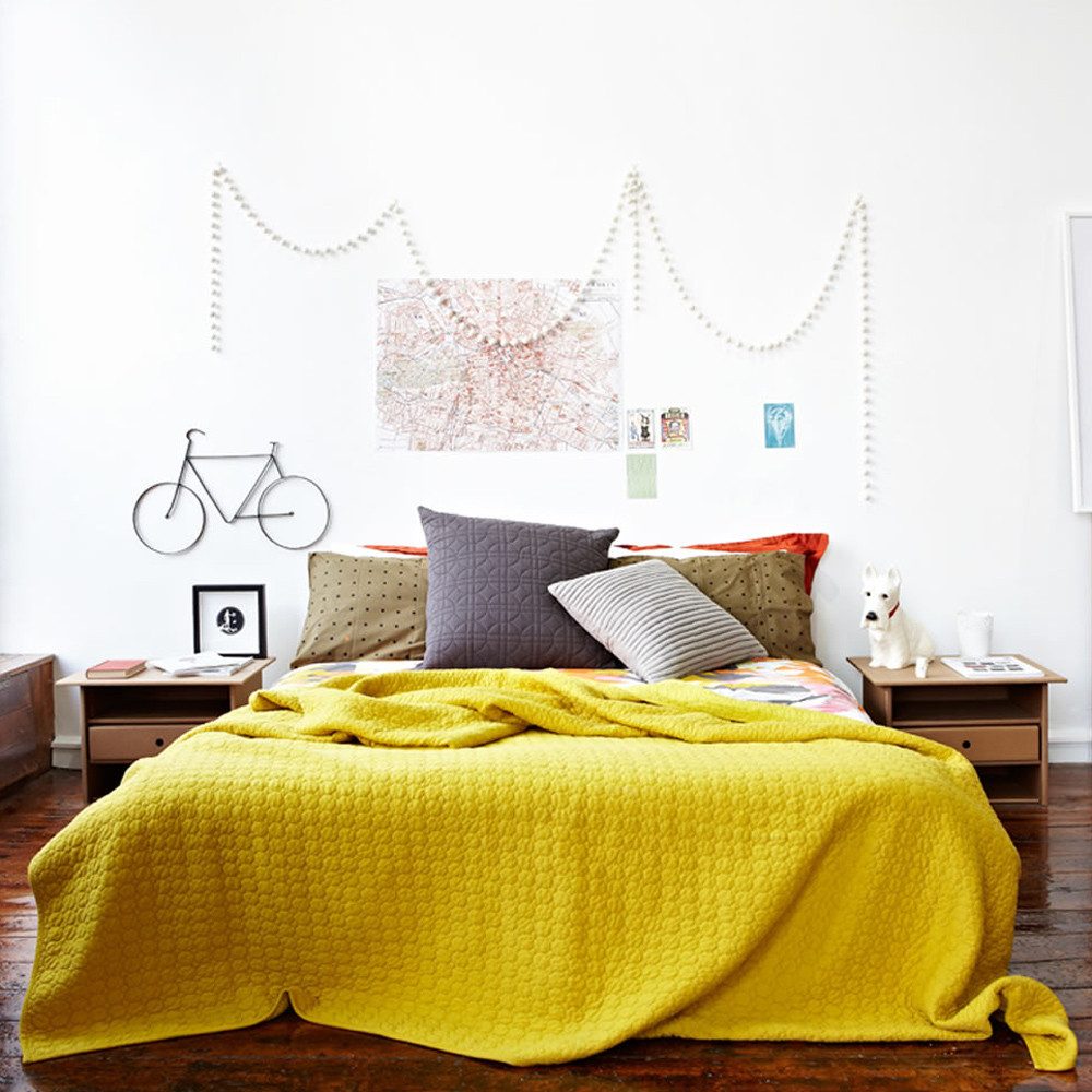 bed_yellow