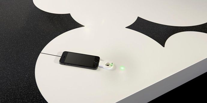 Corian_dupont_charging_device