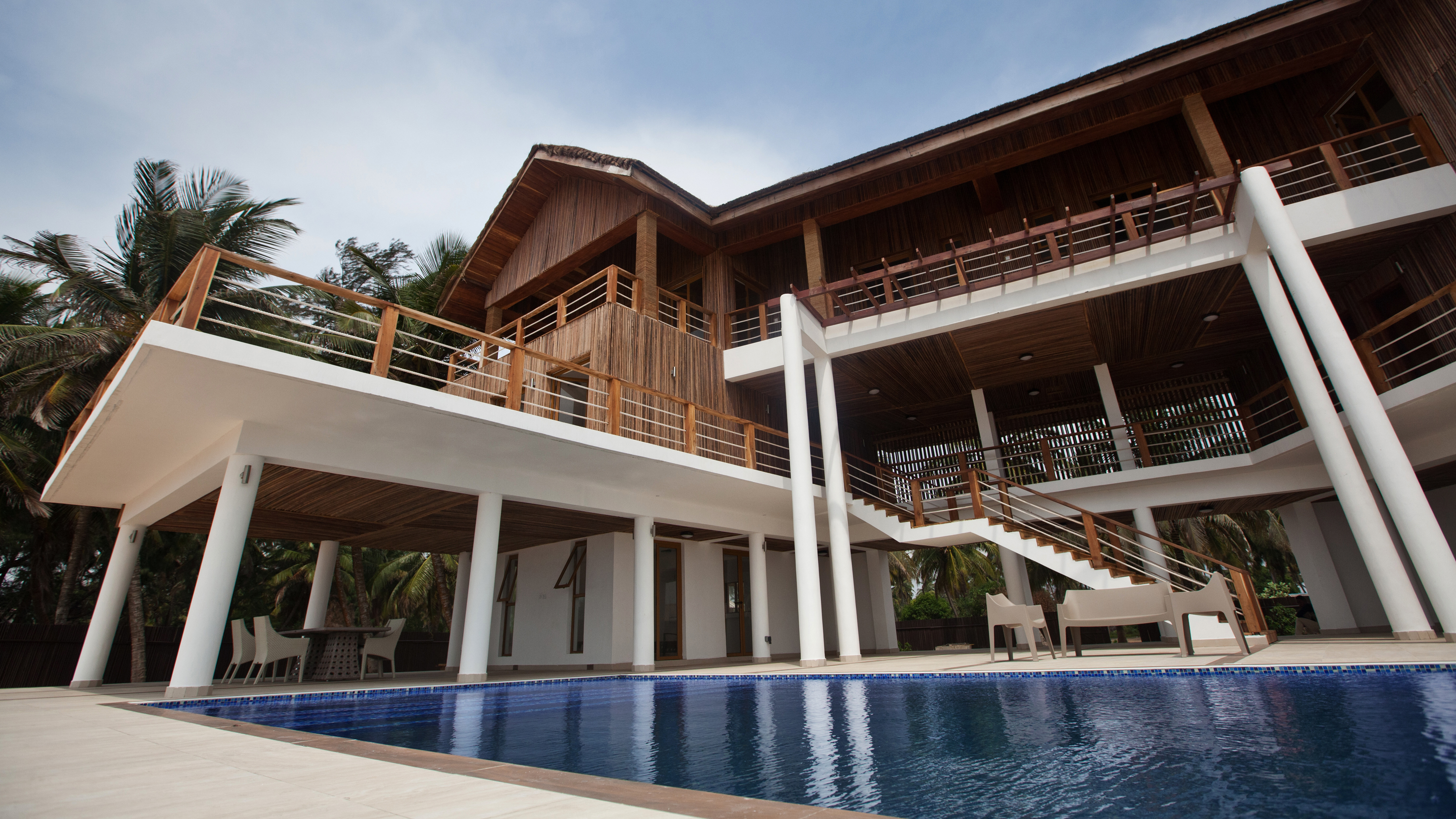 PRIVATE BEACH HOUSE 10