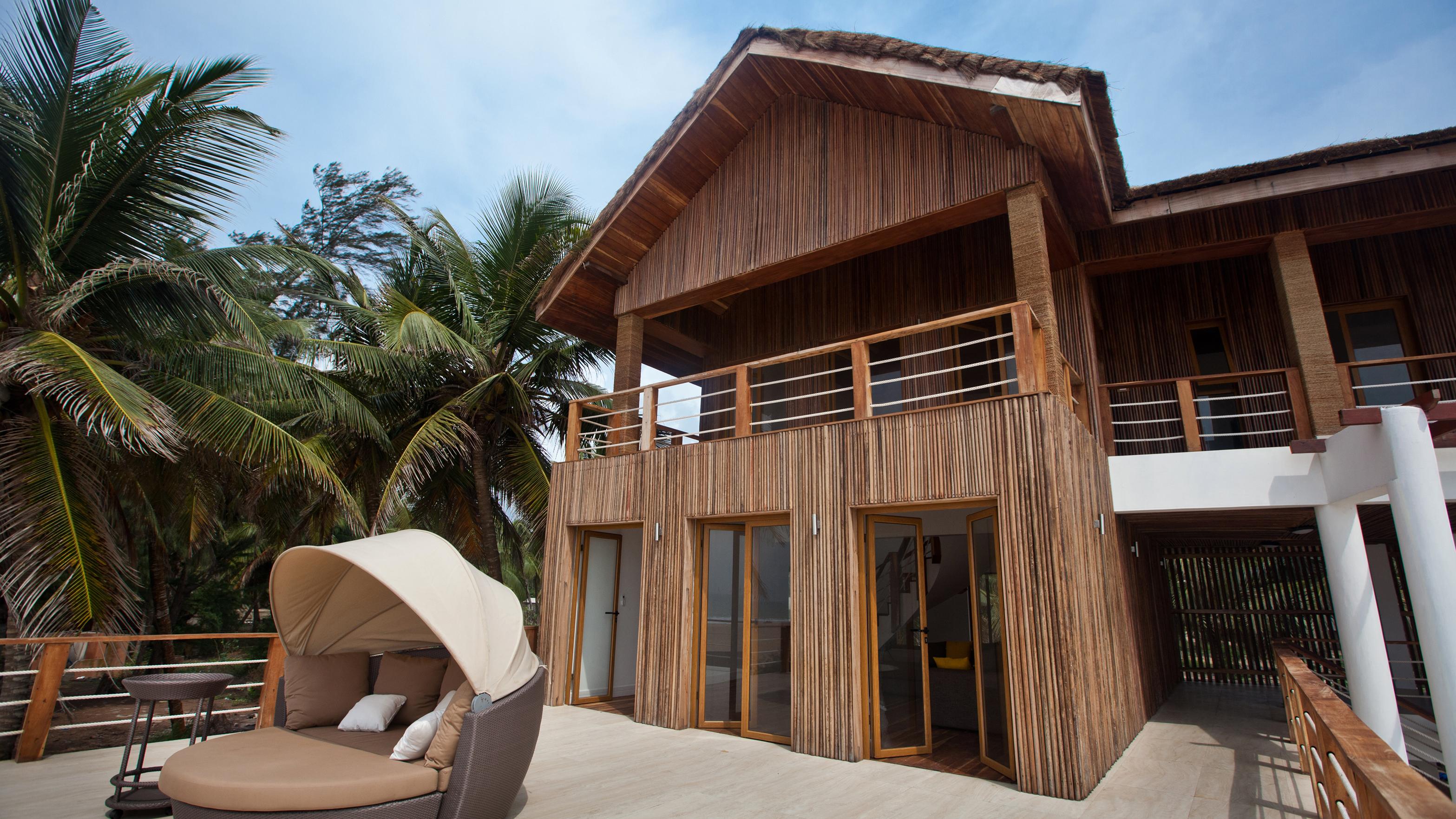 PRIVATE BEACH HOUSE 8