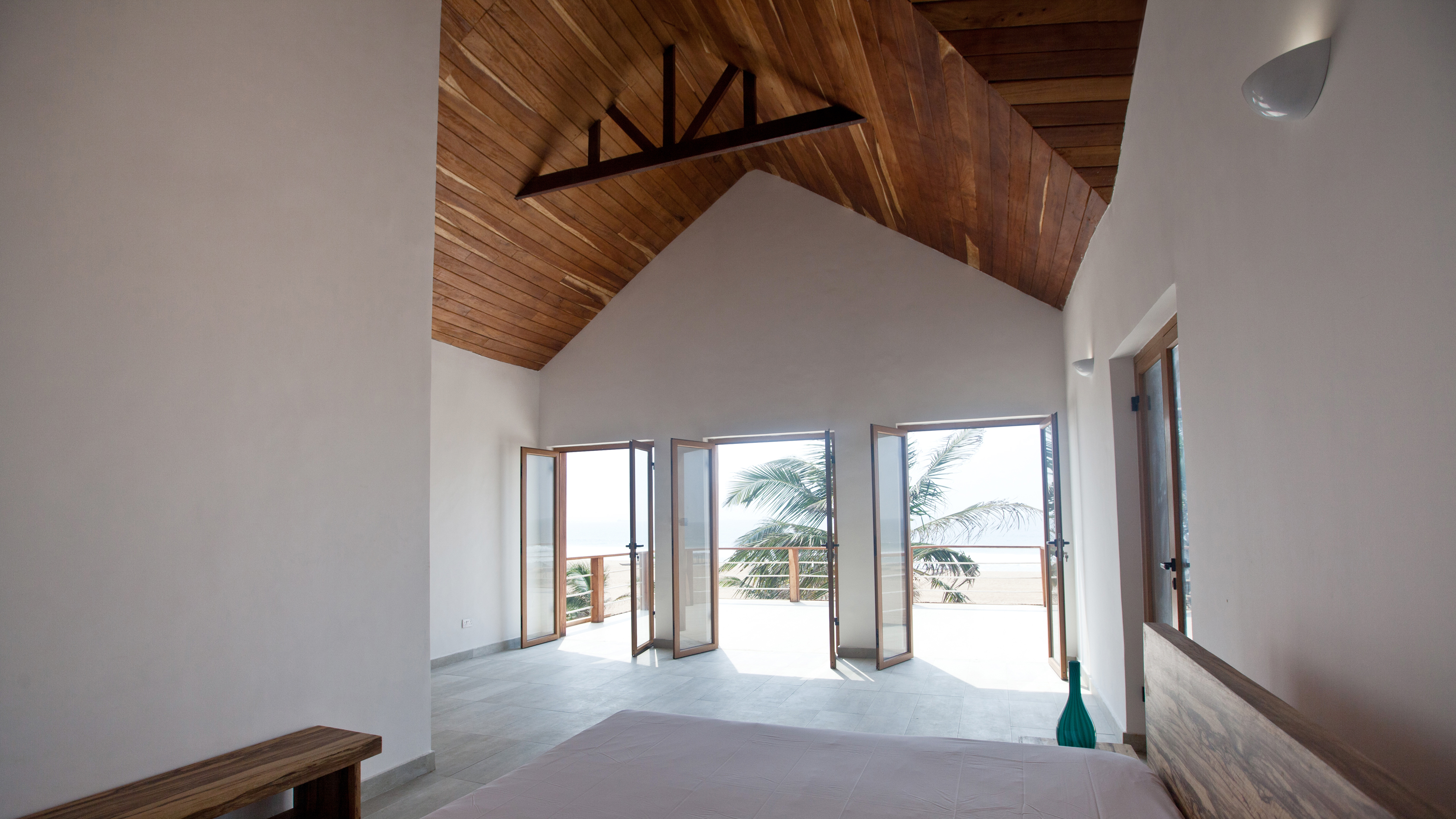 PRIVATE BEACH HOUSE INTERIOR 3