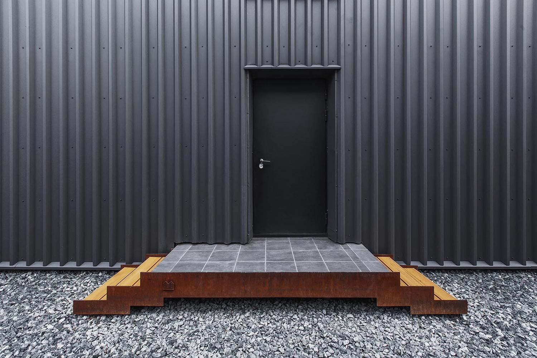 07_main_entrance