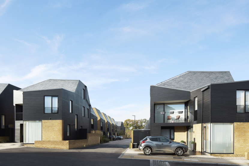Alison-Brooks-Architects-_-Newhall-Be-_-Harlow-Essex-_-Photo-Villas-Street-830x552