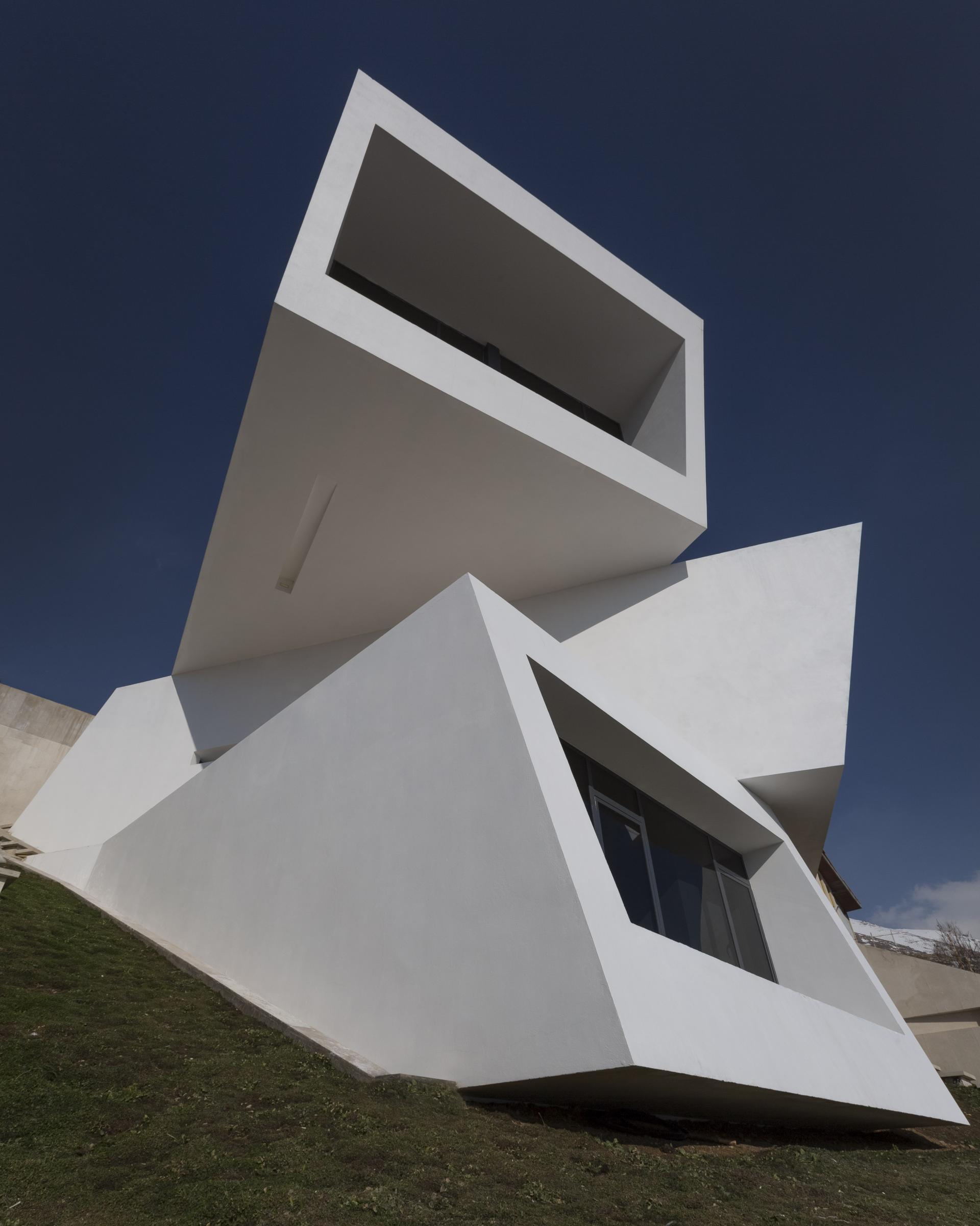 MOSHA HOUSE 03