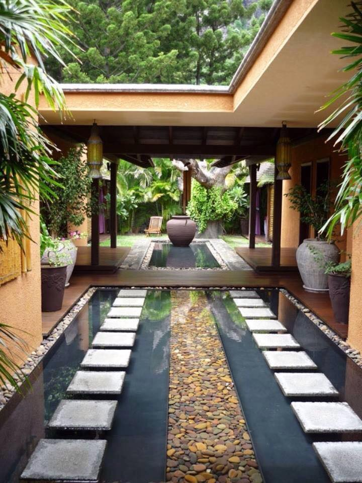 courtyard 23