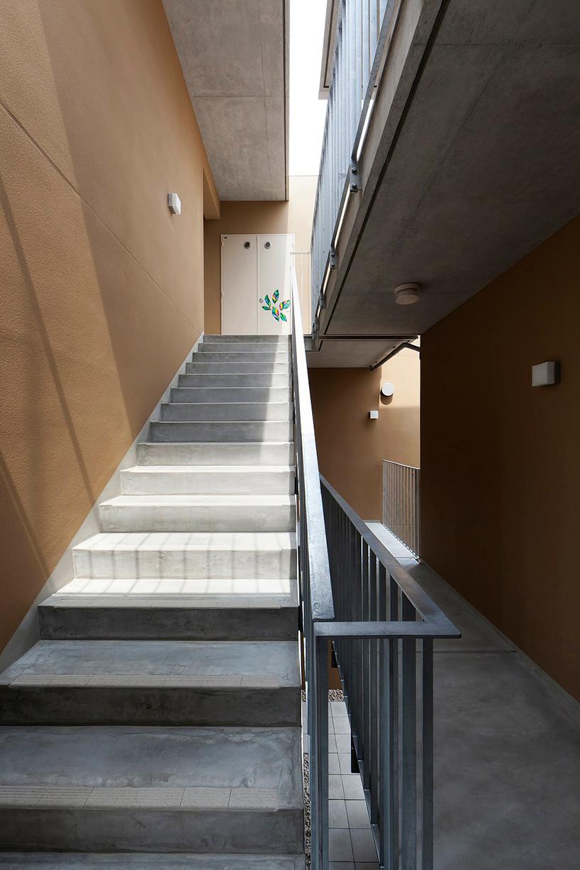 fukuoka apartment complex 05