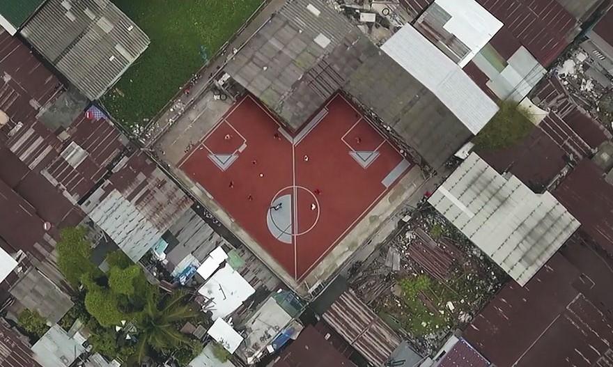 unusual-football-field-4