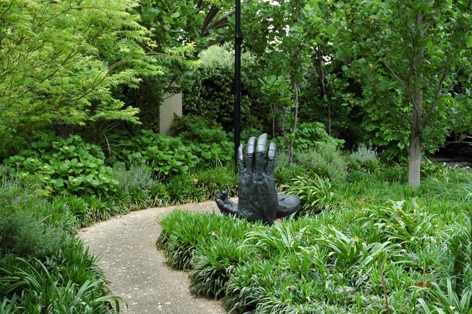 lillie-garden-by-eckersley-garden-architecture-malvern-victoria-3
