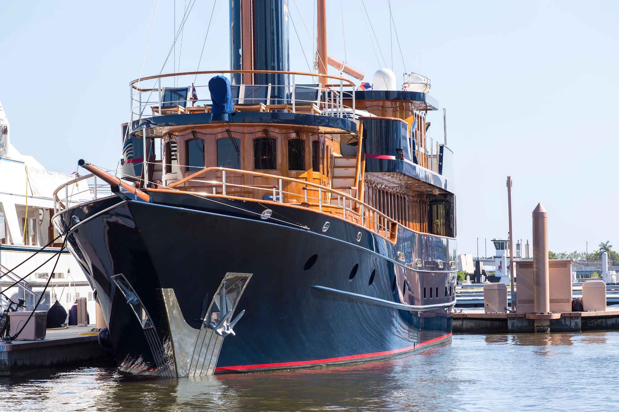 bread-yacht-2-profile