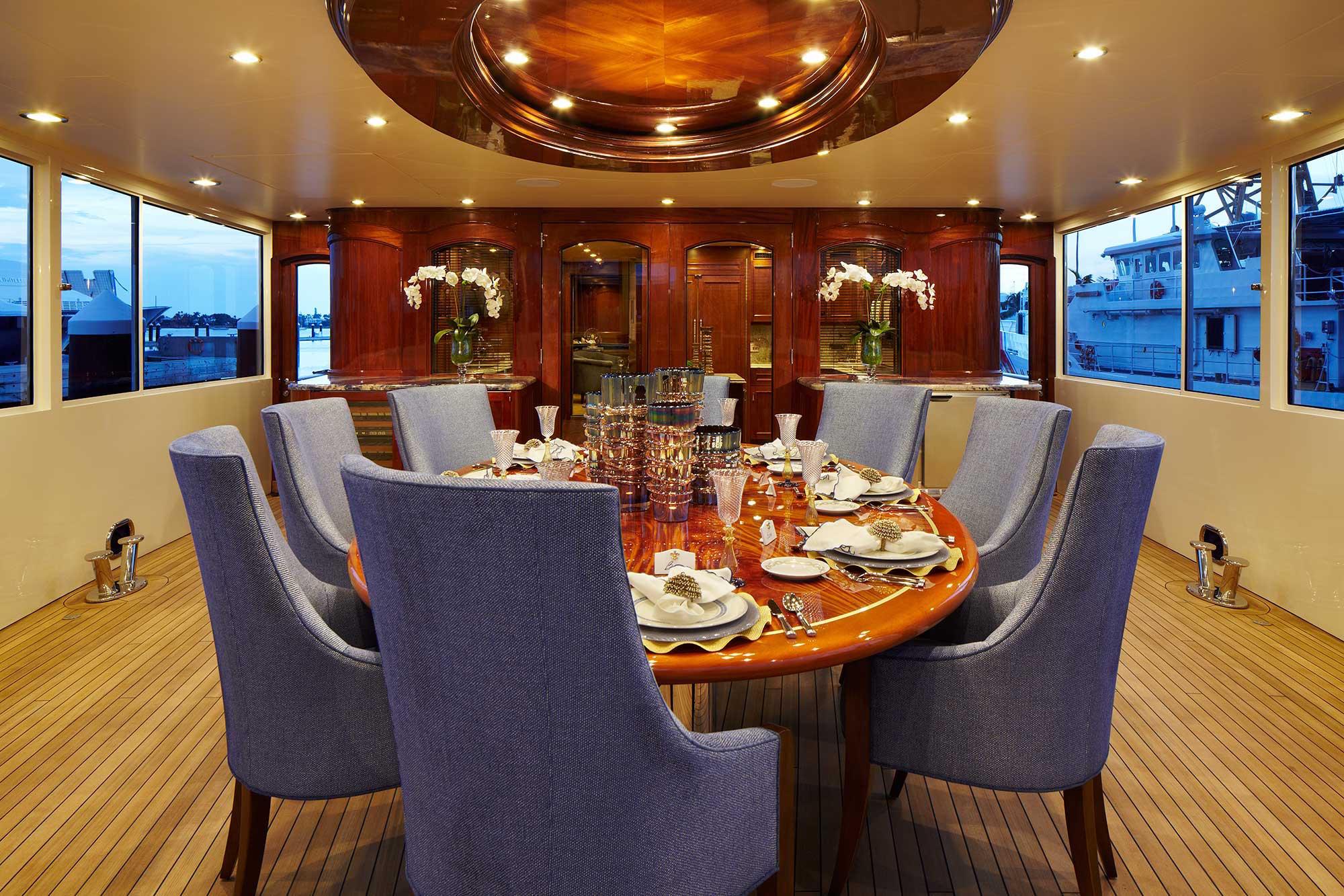 bread-yacht-interior-6-dining