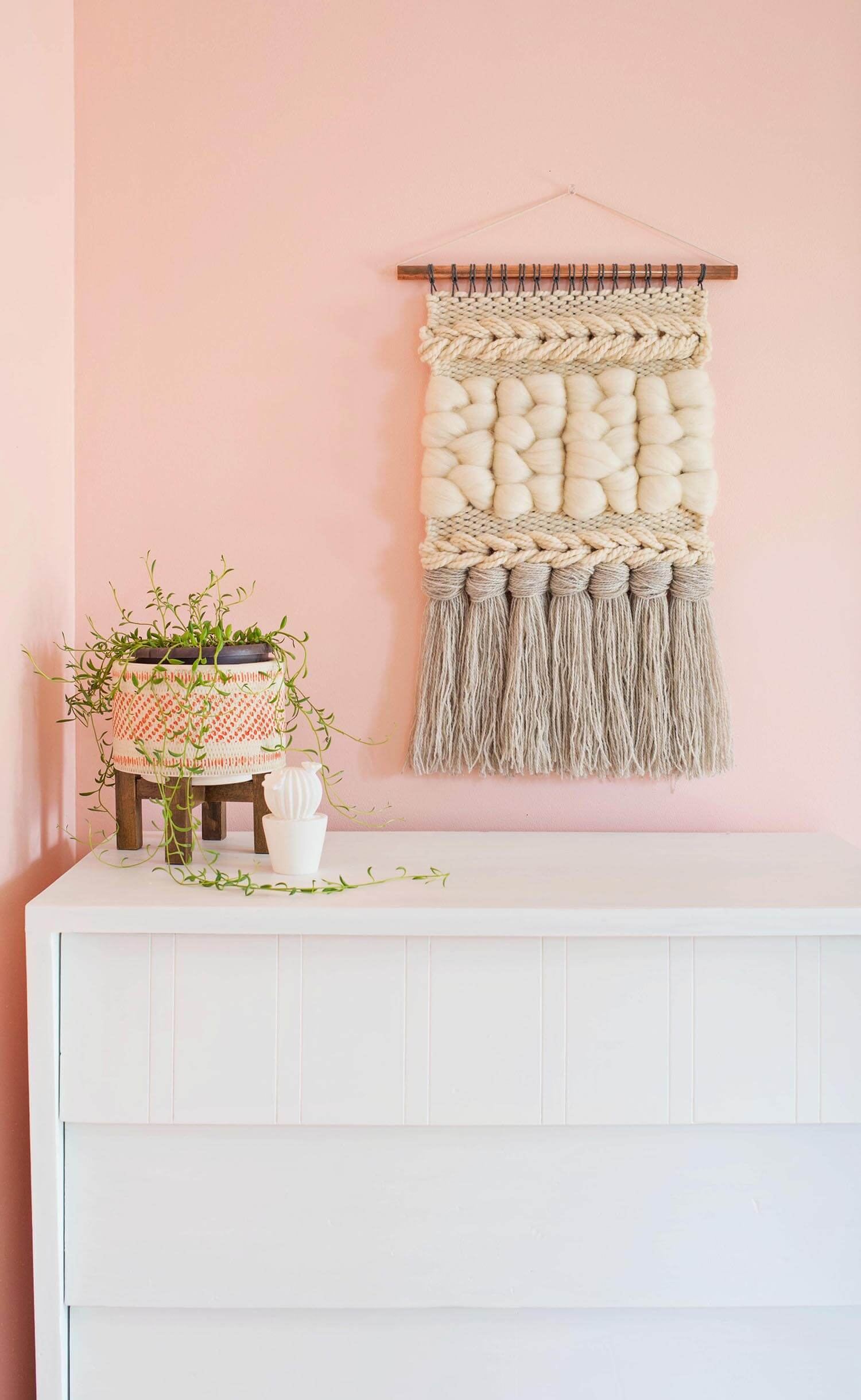 craft ideas for wall hangings these diy woven yarn wall hangings will add texture and 6264