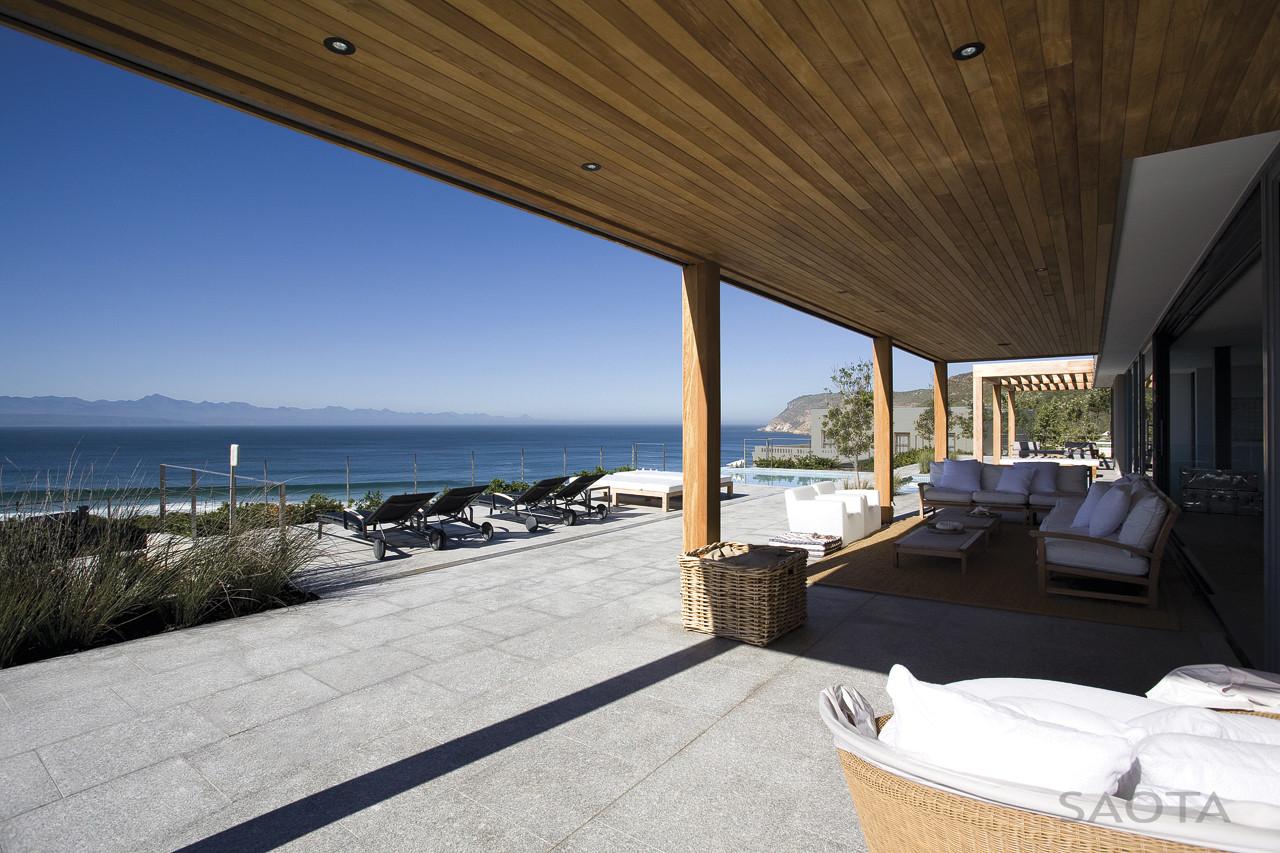 plett 6541 2 is a modern tropical live in beach house in south