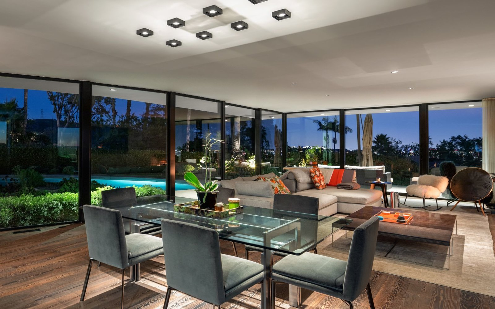 Image of: Inside The Mid Century Modern Home Of Elon Musk In Los Angeles